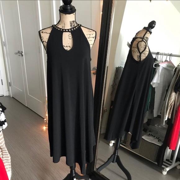 Carmen Marc Valvo Dresses & Skirts - NEW Carmen Marc Volvo Trapeze Dress
